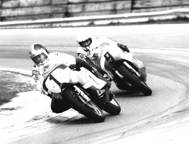 American Cal Rayborn, on his factory Harley-Davidson, leads British rider Paul Smart (Suzuki mounted) in the 1973 Anglo-American Transatlantic Match Races at Brands Hatch. Rayborn proved his performance in the '72 Match Races was no fluke when he scored victory in this race in spite of riding in pain after suffering a broken shoulder in the Imola 200. Rayborn and Smart were team captains for their respective squads. (Jim Greening Collection)