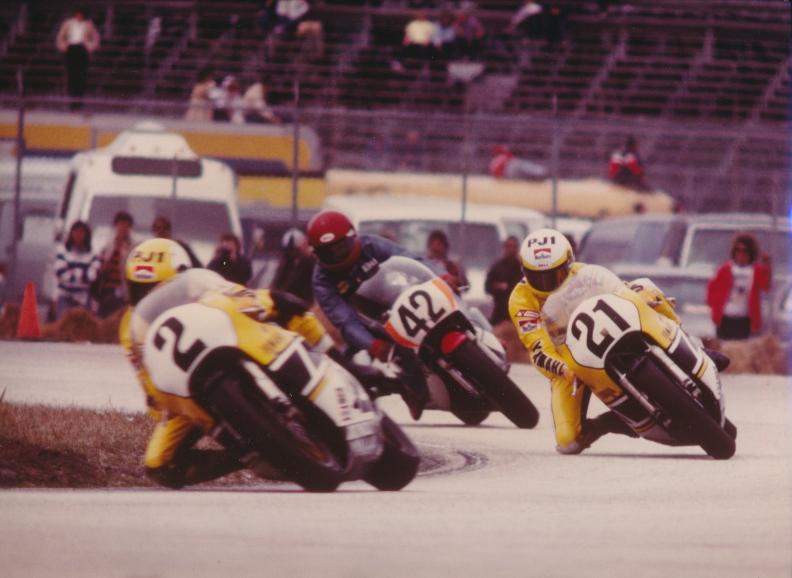 Yamaha teammates Kenny Roberts (2) and Eddie Lawson (21) at Daytona.